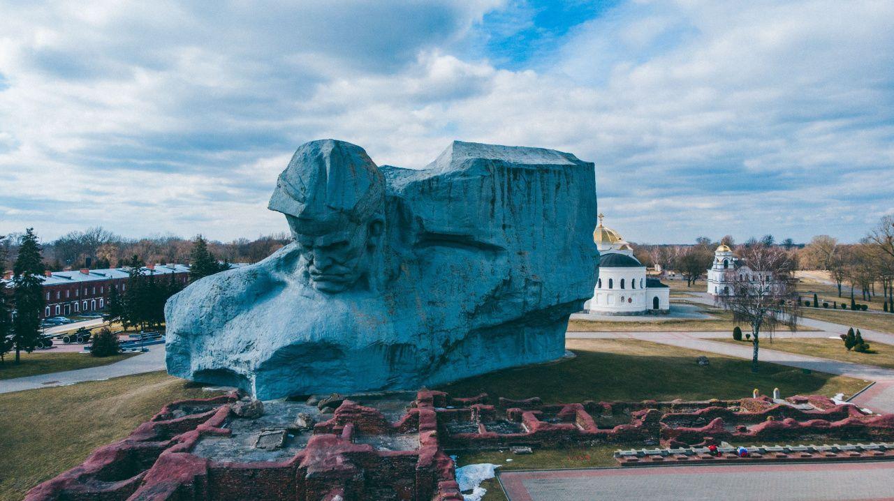 Достопримечательности Беларуси: Брестская крепость-герой